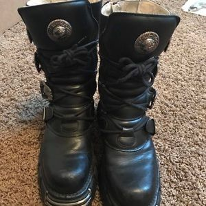 AUTHENTIC New Rock Boots